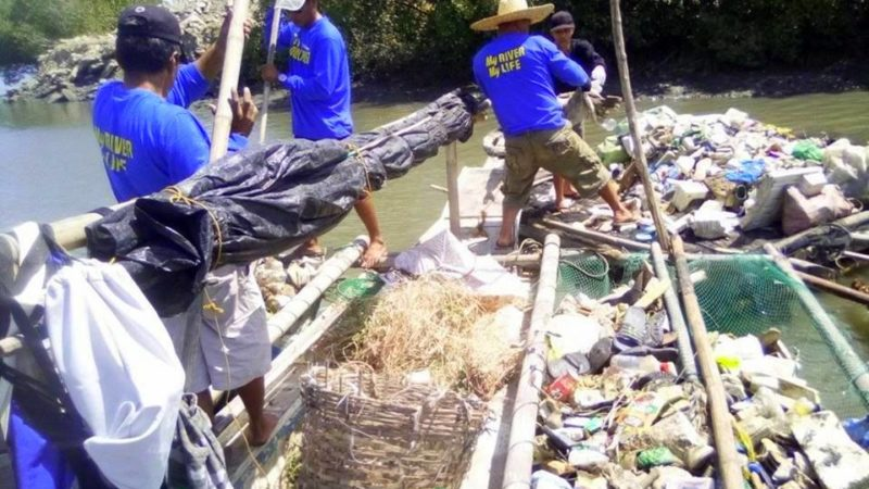 'Don't throw garbage in Iloilo River'