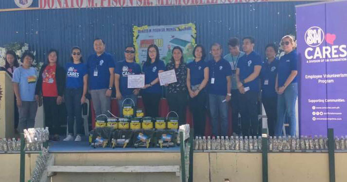 SM City Iloilo donates paint and other materials.