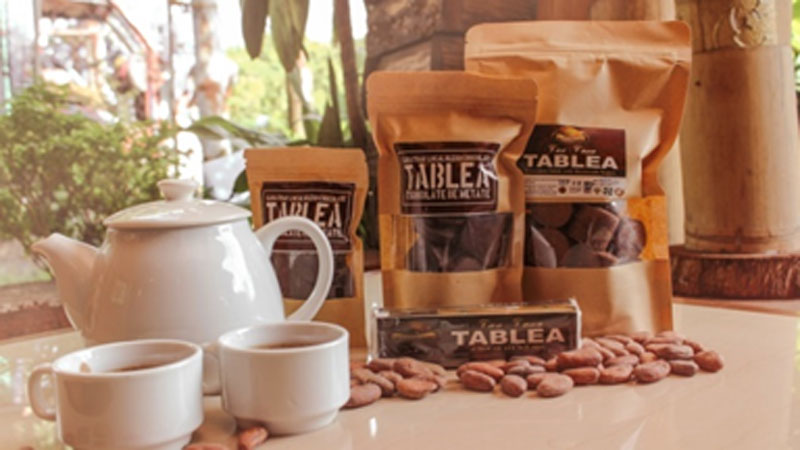 A hot chocolate beverage is a must try when visiting Sunbursts Balay Tablea.