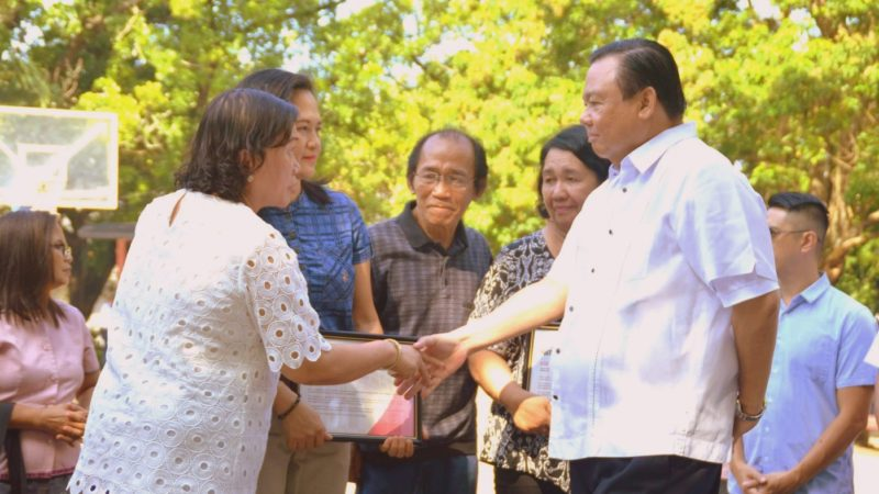 Iloilo City gives Posthumous Recognition of Excellence to Osano couple