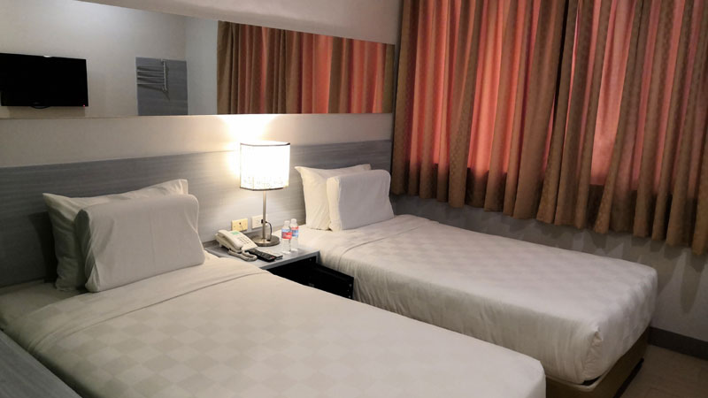 Go Hotels Iloilo Twin Room.