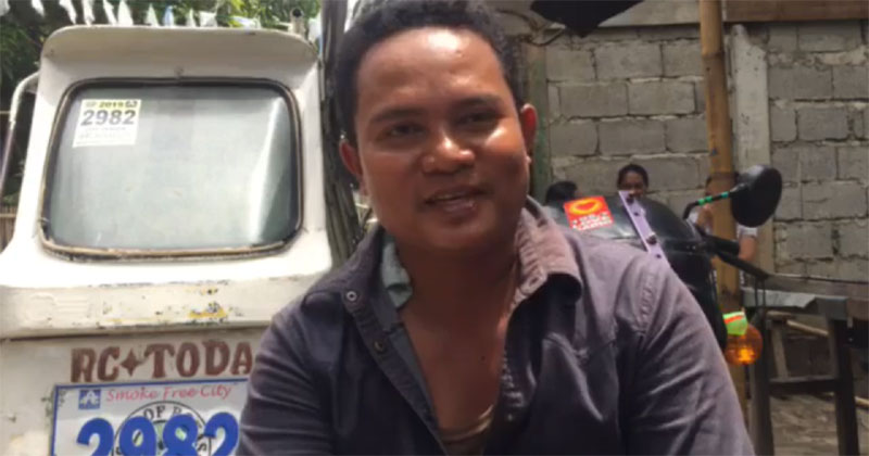 Honest tricyce driver Melvin Aguro of Roxas City.
