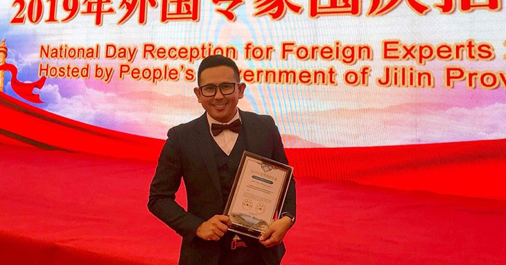 John Java wins Outstanding Expat in Jilin China.