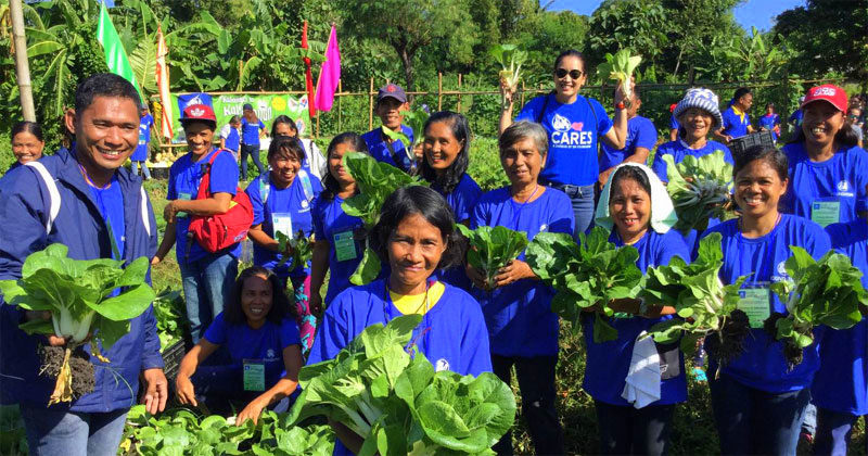 Guimaras farmers harvest produce, graduates at SM City Iloilo
