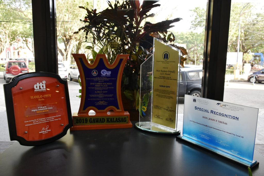 More awards for Iloilo City.