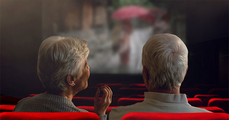Senior Citizens get free movies in Iloilo City.