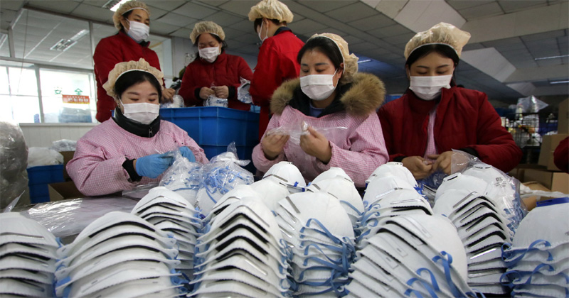 China donates surgical masks to the philippines.