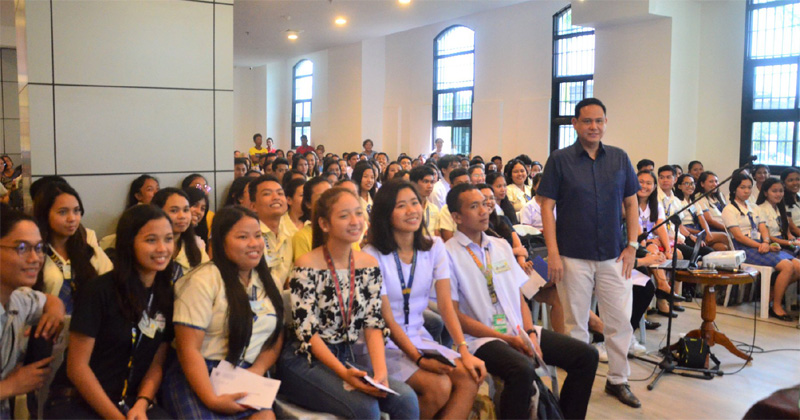 Iloilo Provincial Gov't welcomes 125 new scholars