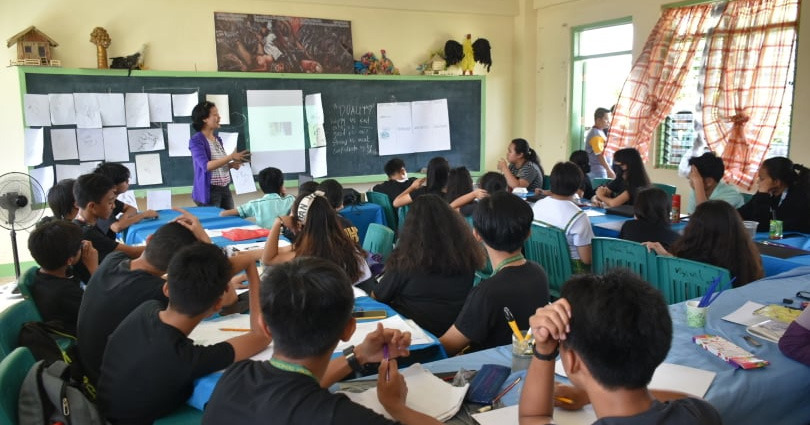 ART AS THERAPY: City Health Office conducts therapeutic art workshop to students