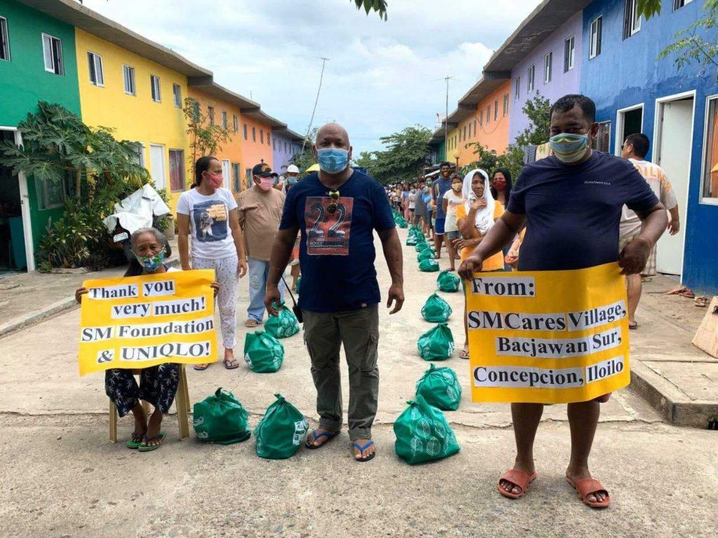 SM Foundation, Uniqlo donates to Concepcion, Iloilo.