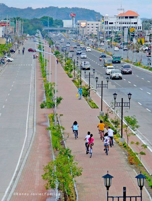 Iloilo City bike lane. Photo by Randy Fadrigo.