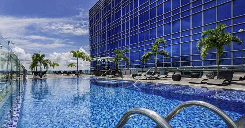 Richmonde Hotel Iloilo swimming pool