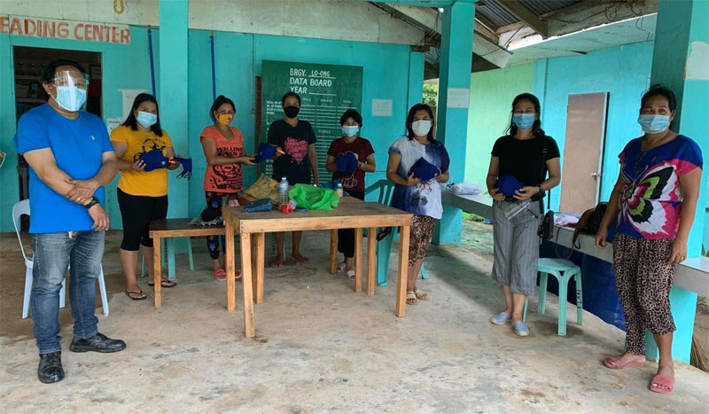 One of the recipients of the distributed reusable masks are LGU employees of Barangay Loong in Concepcion, Iloilo.