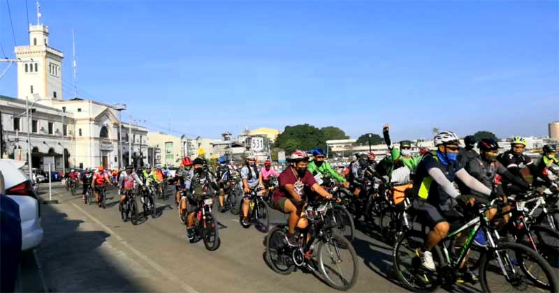 Iloilo Bike Capital of the Philippines: Bikers toured around the city passing through the historic edifices such as the Customs House.