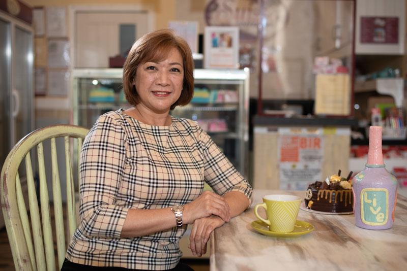 Wilda Wuthrich Usi of Sue's Cake at SM City Iloilo