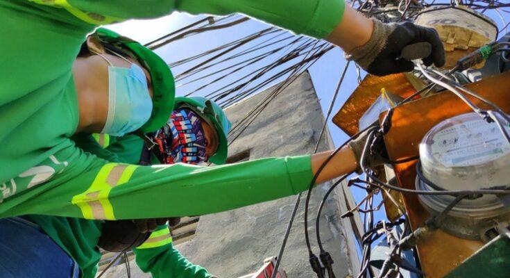 MORE Power iloilo linemen repairing electric meters